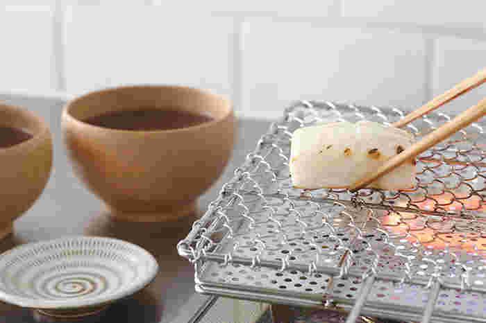 もちろんパン以外も調理することが可能です。お餅やお野菜、お魚など・・・遠赤外線と網の効果で食材がどう変わるかワクワクするキッチンツールですね。