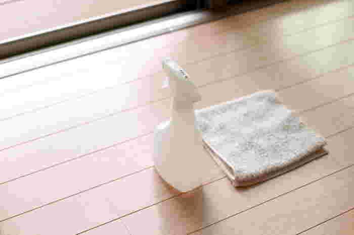 全体的にほこりを取り切れていない部屋やいつもモヤッと見ていた引き出しなど…。 おこもり日は、徹底的なお掃除タイムからスタートしてはいかがでしょう?
