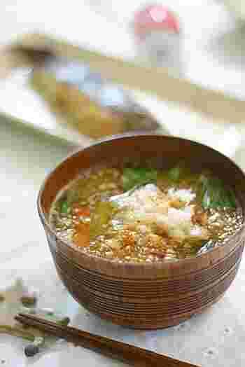 健康・美容にも効果的な大根をたっぷり使った「みぞれ汁」。お味噌汁に入れる具材は何でもOK!使いきれなかった野菜を入れちゃいましょう。大根がとろっと甘くなって絶品!