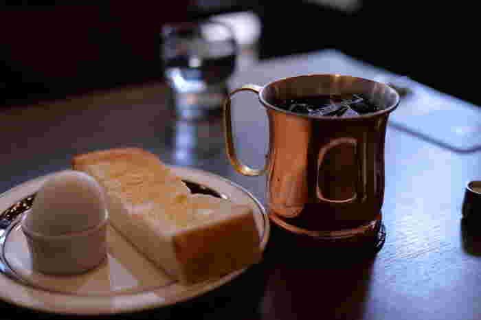 """紹介したモーニング店はいかがでしたか。  旅先や見知らぬ土地の喫茶店で、淹れたてのコーヒーや焼きたてのトーストを頂くのは、ちょっと新鮮で、楽しい気分にさせてくれます。たまには、香り豊かなコーヒーとともに、美味しい""""モーニング""""をゆったりと味わってみましょう。"""