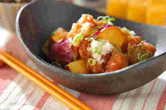 鶏肉とサツマイモを油で揚げて、大根おろしとポン酢でサッパリといただく逸品。