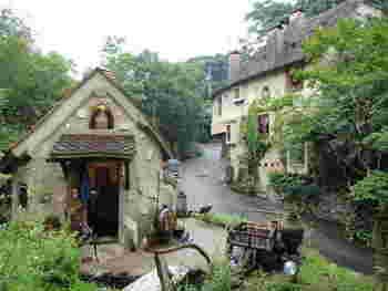 とってもかわいい外観に非日常を感じます。まるでヨーロッパの田舎町に来た気分になりそうです。