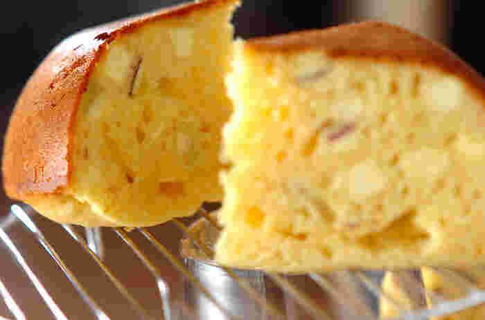 本格的なケーキ作りはちょっと不安…。そんな人には簡単にできる炊飯器でのケーキ作りにチャレンジしてみてはいかがでしょうか?サツマイモがたっぷり!どこか懐かしい味のケーキです。