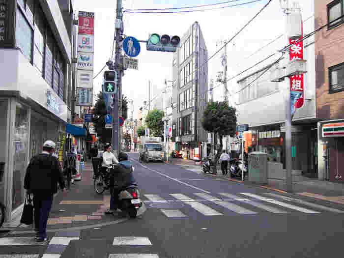 無印良品やTSUTAYAなど、最寄り駅にあると便利なお店は一通り揃っています。また、渋谷や下北沢、松陰神社前など、人気のエリアも自転車で行ける距離。遠くまで行かなくても、理想の暮らしができちゃいます。