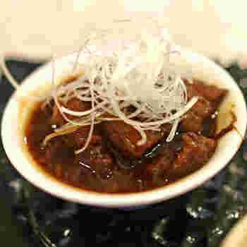 こちらでいただく和牛の「どて煮」は、名古屋定番のものよりもあっさりしているのだそう。とろとろに、やわらかく煮込まれていて日本酒にぴったり。