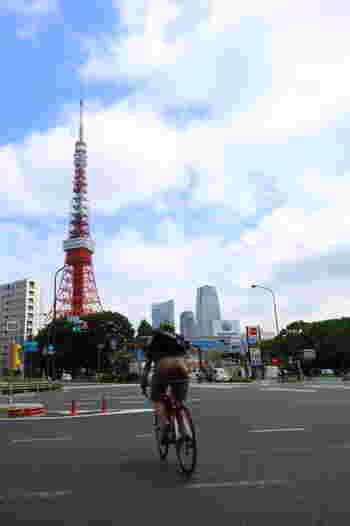 東京タワーの大展望台に登ります。 東京の街並みを見渡すのも良いのですが… それが目的ではありません。
