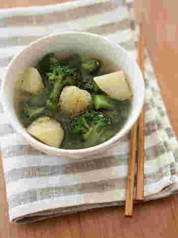 粗挽き黒胡椒がスパイシーで食欲そそります!ブロッコリーはあまりお味噌汁には入れませんが、味噌ともよく合うのでおすすめの具材。ブロッコリーはミネラルやビタミンCが豊富な優秀な食材なので、ぜひ作ってみてくださいね♪