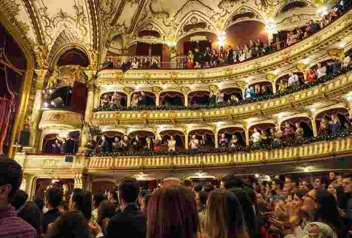 オペラなどは食わず嫌いで避けている人もいるかもしれません。でもオペラの何を知っていますか?本当に鑑賞してみなければ、好きか嫌いかも分からないはずです。知性はこのように育てていきましょう。