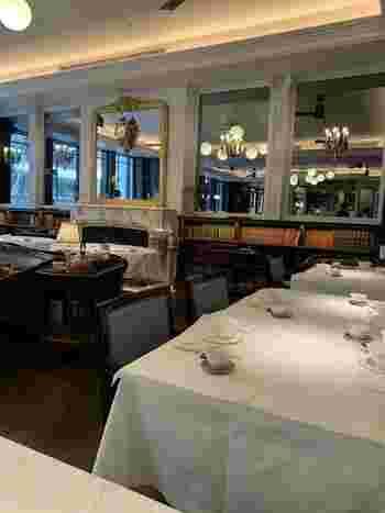 他にもロンドンの有名中華料理店である「ヤウメイ」など、様々なジャンルのグルメをおしゃれな空間でいただくことができます。もちろん食べ物だけではなくショッピングエリアも充実しています。建物全体がアートな雰囲気で作られているので、歩いているだけでワクワクする空間です。