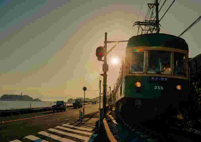 江ノ電から、とってもお得な1日乗車券「のりおりくん」が販売されているのをご存知ですか?この「のりおりくん」は、鎌倉駅から藤沢駅まで、切符を買った当日であれば何度ものりおりできちゃう夢のような素敵な切符なんですよ。