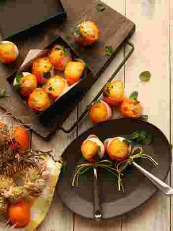 ビタミンCが豊富な旬のきんかんに、ホワイトチョコレートをコーティング。そこに、シロップで煮て低温で焼いたきんかんジェットをのせて冷蔵庫へ。おしゃれでころんと可愛いスイーツの完成です♪