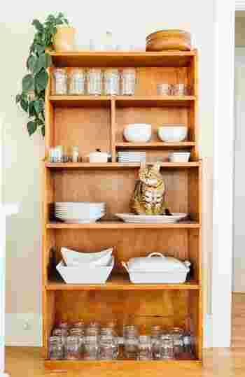 """年末といえば毎年恒例の大掃除ですが、お掃除を始める前に""""断捨離""""に挑戦してみませんか? 器が大好きな人こそ、あれもこれもと集めてしまって、気が付いたら食器棚がパンパンに…というのはよくあることですよね。"""