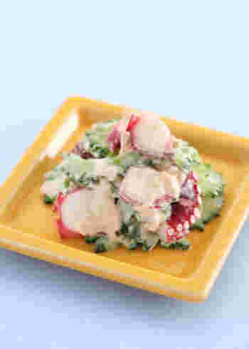 タコもゴーヤも、夏バテ解消に役立ってくれる食材です。さっと茹でてツナマヨで和えるだけで、箸の進む副菜になります。ゴーヤの苦みが苦手でも試しやすそうですね。