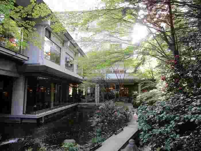 家族みんなで温泉をたくさん楽しみたい!そんな方におすすめの温泉宿「ホテルニュー水戸屋」では、3つの大浴場・16種類の湯巡りを楽しめます。