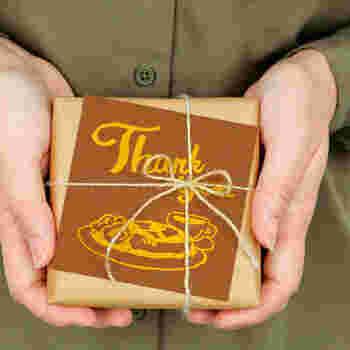 感謝の気持ちは、心で感じているだけでは相手に伝わりません。日ごろお世話になっている方へ、言葉やカードであらためて感謝の気持ちを伝えてみませんか…?
