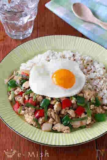 夏のワンプレートごはんは、《さっぱり・エスニック・ピリ辛》がキーワード。エスニックやハワイアン料理をはじめ、旬の夏野菜を使ったメニューや冷製パスタなどがおすすめです。