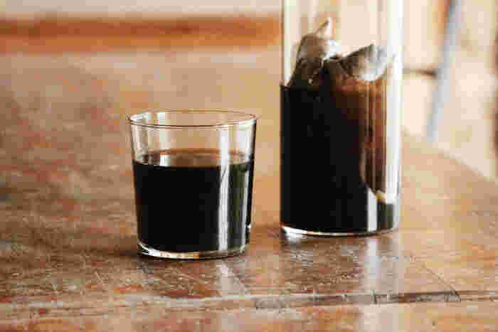 エチオピア&インドネシア産のブレンドは、喫茶店で飲むような苦めでどっしりとコクのある珈琲を目指した味わい。もう一つのルワンダ&インドネシア産のブレンドは、コクもありつつすっきりとした味わいの水出しコーヒーです。