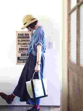 帽子からのぞくショートボブのラインが可愛い♪ 首まわりがスッキリ見えます。