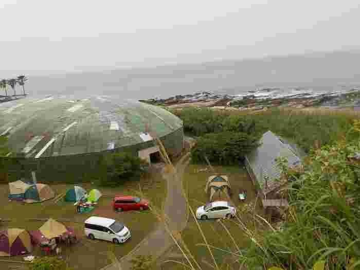 千葉県最南端にあるこちらのキャンプ場は、絶景オーシャンビューが広がるおすすめスポット。