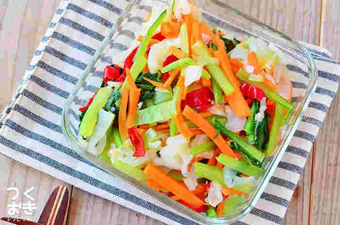 食べれば食べるほど健康になっていく、そんな気分になる幸せレシピ「温野菜」。ドレッシングを変えることで飽きることなく食べられますよ♪
