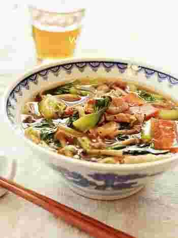 とろりとした五目あんかけをトッピングすると麺も冷めにくくなり、最後までアツアツをいただけます。お野菜が苦手な子どもでも、あんかけにすると食べやすくなります。