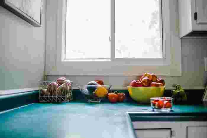 根菜類はそれぞれどこに保管しておくのか、ちゃんと定位置を作ってあげることで、キッチンがごちゃごちゃせず野菜を取り出しやすくなるので、ぐっと使いやすくなりますよ。