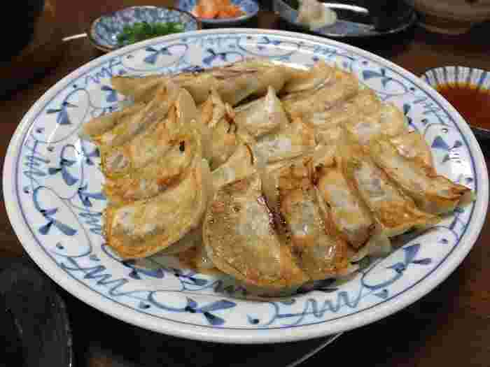テムジンの餃子は、豚肉を使わず牛肉とたっぷりの野菜でつくられています。ニンニクの量も抑えられているので、あっさりと何個でもいただけます。