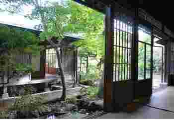 『朱雀』は、本宅と呼ばれるこちらの和室で頂きます。