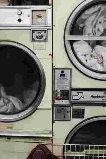洗濯物を一度にたくさん入れ過ぎることも傷みの原因につながります。  洗濯する一回の量は『洗濯機の容量の8割程度』に収めるイメージで調整しましょう。