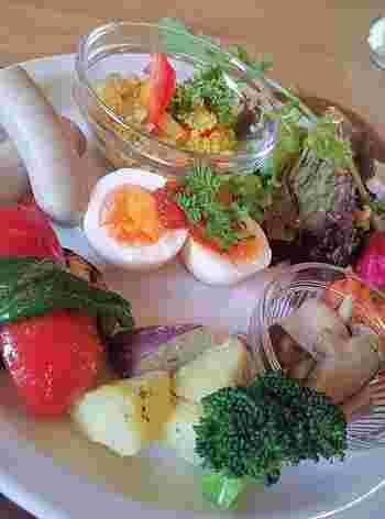 お野菜いっぱいのヘルシーメニューに、お腹も心も満たされそう。