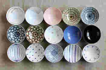 『白山陶器』は、400年近い磁器生産の歴史を持つ波佐見にある陶磁器ブランドで、時代を超えても飽きのこない美しいデザインが特徴です。