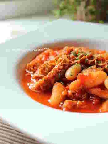 トリッパは牛の胃袋のこと。ワインにぴったりな煮込み料理です。ビストロの味をおうちでも!