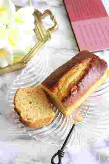 レモンの酸味と塩麴の旨味が美味しいパウンドケーキ。 塩麴を使うことで、やわらかく味わい深い塩味が楽しめるのだそう。基本的には、材料を混ぜ合わせていけば出来上がるので簡単に作れるのもうれしいポイントです。