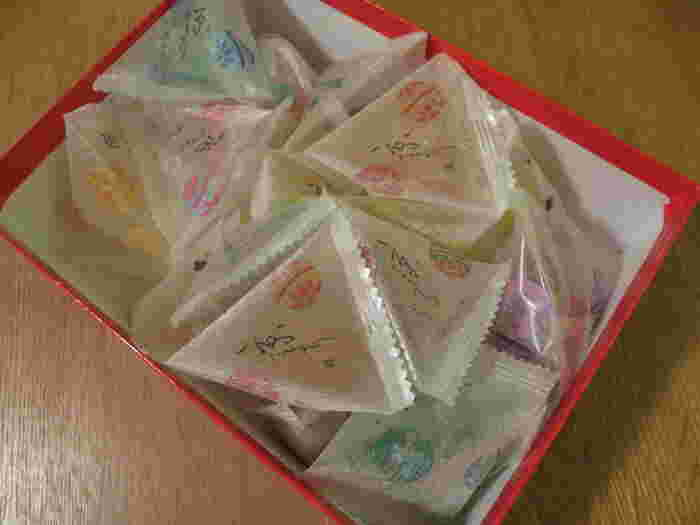1つずつ個包装になっているので、食べやすく、配りやすいのも大きな魅力。男女問わずに愛されやすいお菓子なので、バレンタインのみならず、感謝を伝えたい色んなシーンで活躍してれそうです。