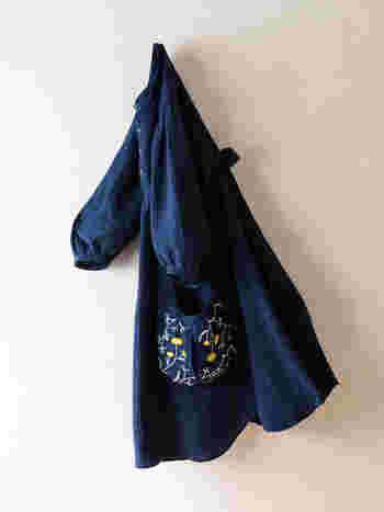 ゆったりとしたエンブロイダリーワンピース。ポケットにはかわいらしい手刺繍が施され、着ていると優しい気持ちになれそう。休日や普段着におすすめです。