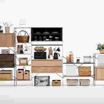 一人暮らしでも、家族が増えても、お部屋や人数に合わせて自由に家具を広げたり使い方を変えることができる、それが「R.U.S」です。