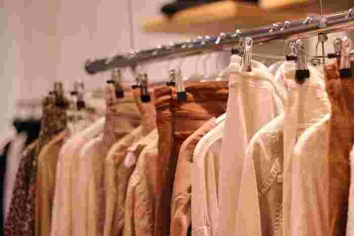 手持ちの洋服を整理する時、一般的には80%は捨てられると言います。ちょっと驚きの数字ですが、不要な服ってこんなにたくさんあるんですね。