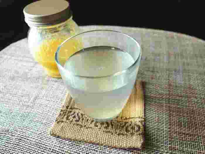 こちらも材料はとっても簡単。水、塩レモン、砂糖の3つがあればできます。塩レモンはあらかじめ多めに作っておけばほかの料理にも使えるから便利。ないときには、塩とレモンですぐに代用できますよ。