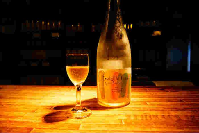 くらむぼんのワインはブドウの風味を多く残し、自然な味わいに仕上がっています。ボトルのパッケージもなんだか可愛らしい雰囲気。