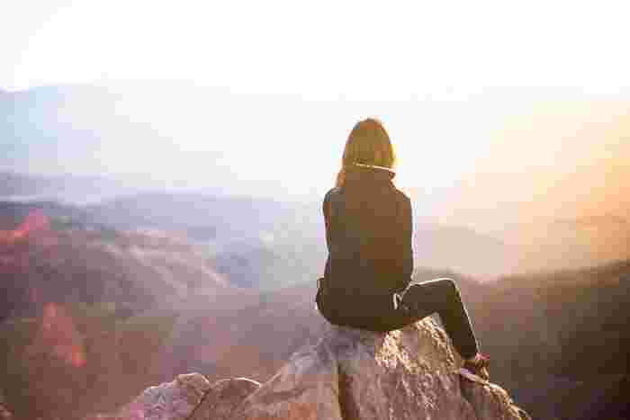 「もっとやらなくちゃ」「まだまだ」といつまで経っても自分の実力に納得ができないのは、理想が高すぎるからではないでしょうか。まずは身近な小さな目標を決めて、それを達成させていきましょう。やがてその達成感と自信が誰にも負けないと思える取り柄になっていくかもしれません。
