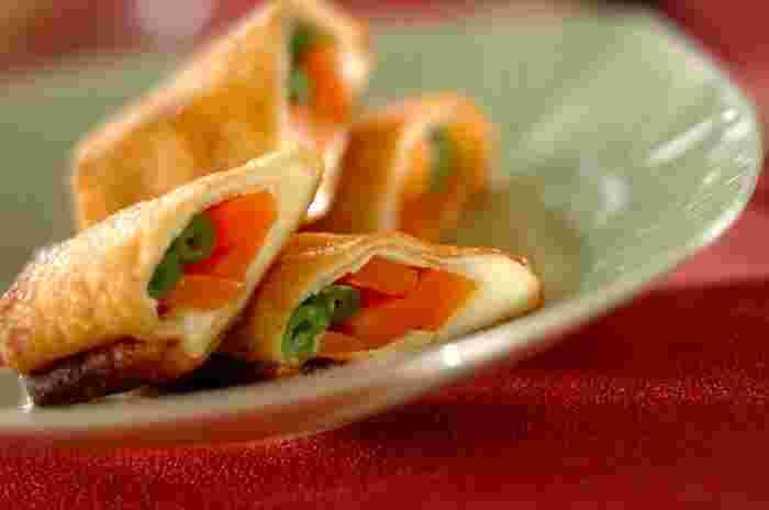 シンプルな野菜にチーズと油揚げがベストマッチ。 彩り豊かで、お弁当にも活躍しそうです。