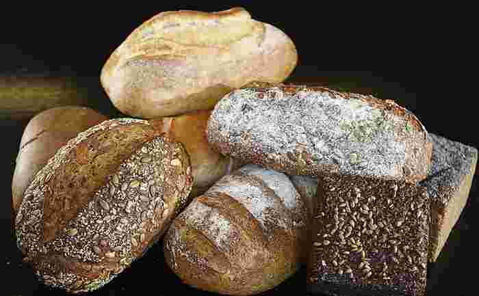 全粒粉や胚芽など、ハードなパンとよく合います。