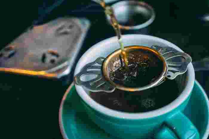美味しい紅茶の入れ方って、意外と知りませんよね。茶葉から買って、ティーバッグとの違いを感じてみましょう。