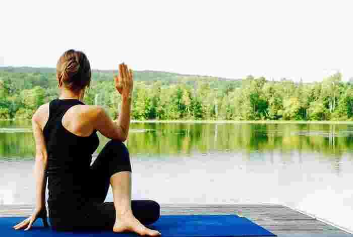 今どこが伸びているか、それをしっかり感じるようにしましょう。いつもより調子がよい、少し痛みがある、など自分の体に敏感になることはとても大切なことです。