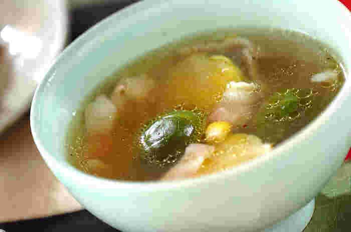 ■芽キャベツのスープ 煮込み料理のシンプル・イズ・ザ・ベスト! お手持ちのコンソメや鶏ガラスープでコトコトと煮込んで待つだけで完成します♪