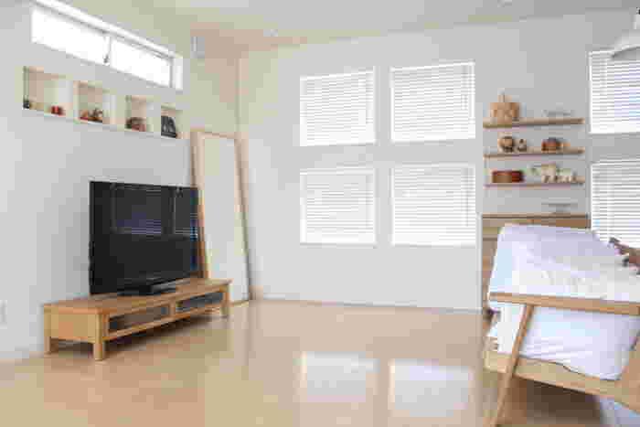 やっぱり床は「水拭き」が一番!フローリング掃除の基本と効率よくできるテクニック