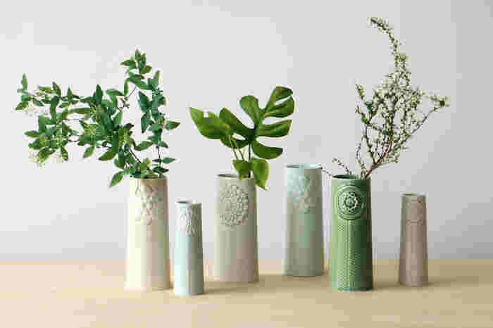 ちいさなお花がつくグリーンはピパネラフラワーを合わせて、お花らしさをプラスして。立ち姿の美しさにうっとりとしてしまいます。
