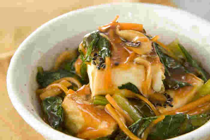 まだまだ寒い日は、野菜がたっぷり入った甘酢あんで♪ 厚揚げをグリルで焼けば中はしっとりほかほか、外はカリッと仕上がります。ちょっと中華風な味付けが◎