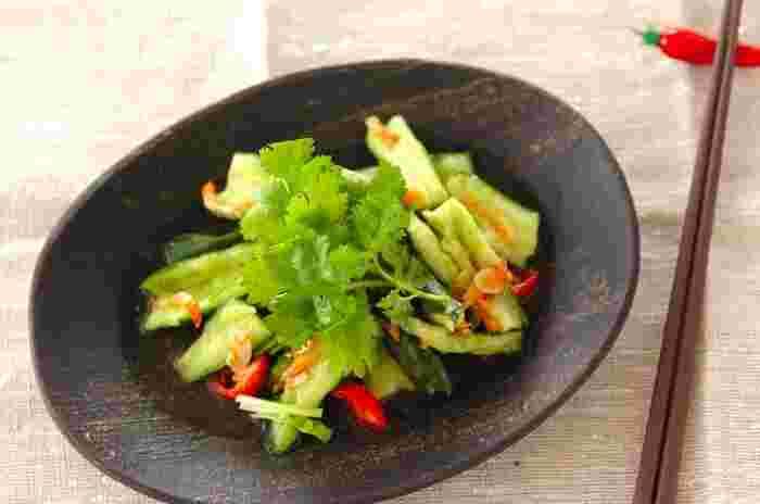 ●タイ風サラダ いつもとはひと味違った、エスニック風きゅうりのサラダ。ビールとの相性も抜群♪5分でできるのでサッと作って、パッと食べられるのも高ポイントです。
