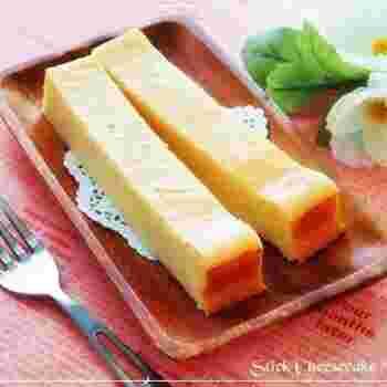 クリームチーズたっぷりの濃厚ケーキ。チーズ好きさんにはたまりません♪材料を混ぜてオーブンで焼くだけなので、とっても簡単です。